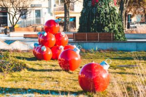 XXL Baubles for public spaces