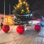 large christmas baubles terrachristmas