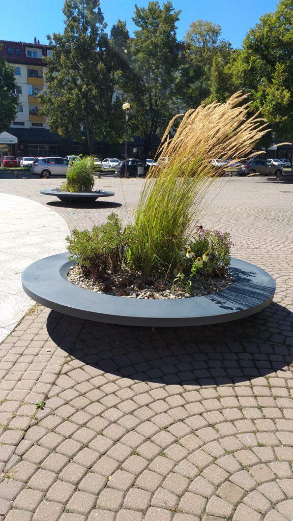 large flower pots plane ring lux terraform