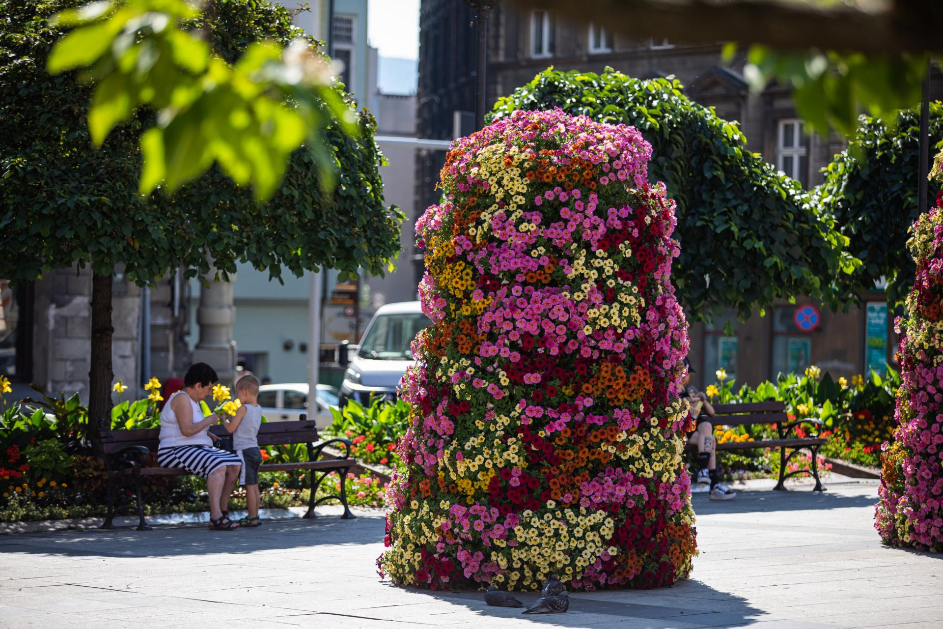 flower-tower-on-the-promenade