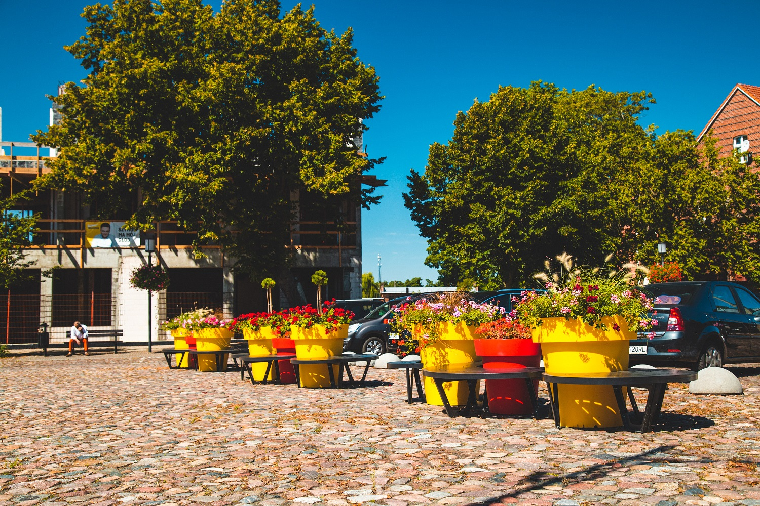 bench-and-pots